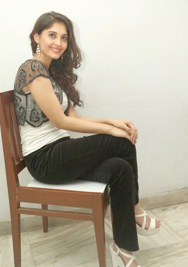 actress-surabhi-hot-pictures-224