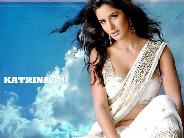 hottest-bollywood-actress-katrina-kaif-deep-navel-exposure-wallpapers-huge