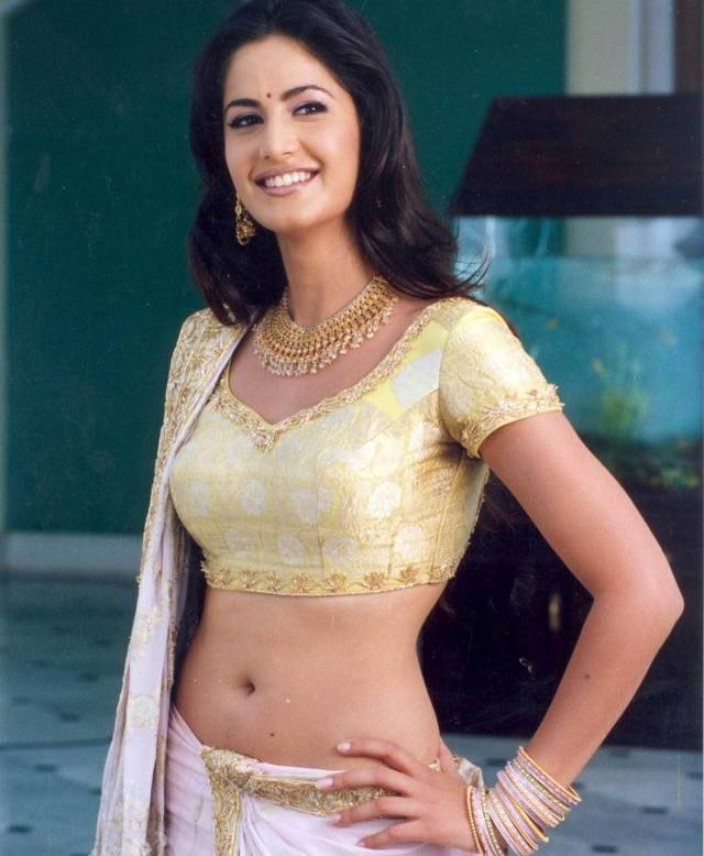 Katrina-kaif-navel-sow-photos11