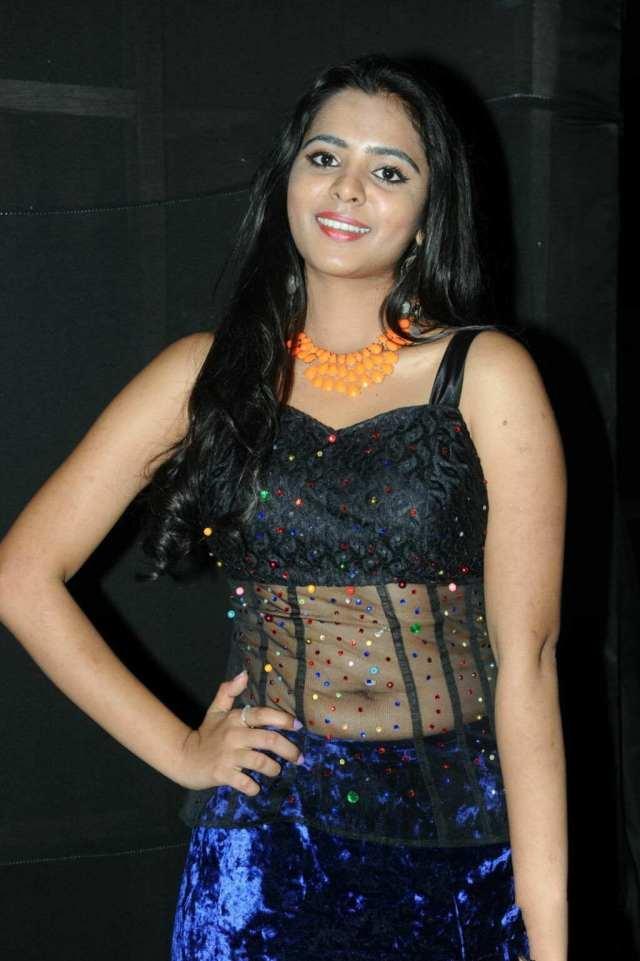 Manasa-Hot-Navel-Photos-In-Transparent-Dress-2