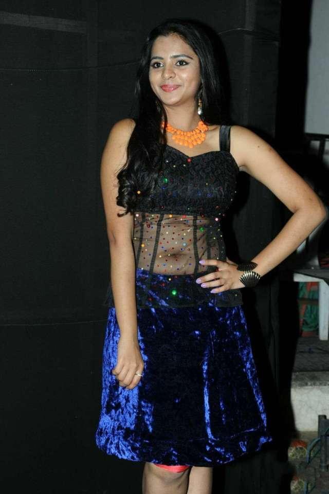 Manasa-Hot-Navel-Photos-In-Transparent-Dress-5