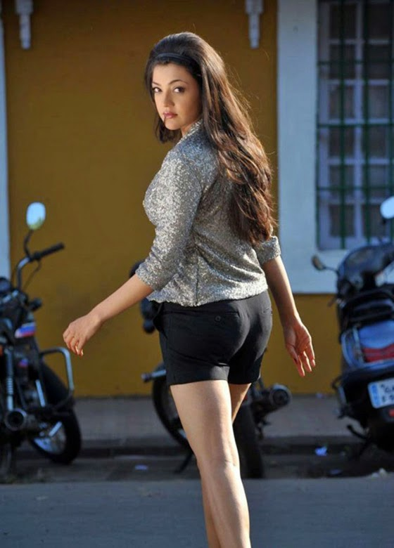 new_kajal_agarwal_hot_images_businessman_20d2af