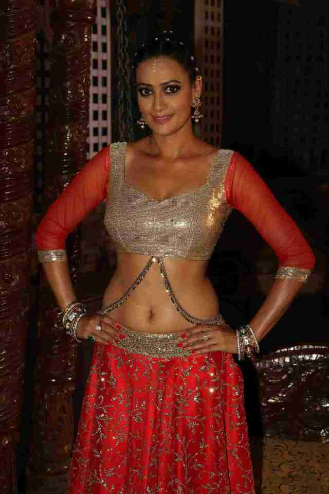 17-jasveer-kaur-shoots-item-song