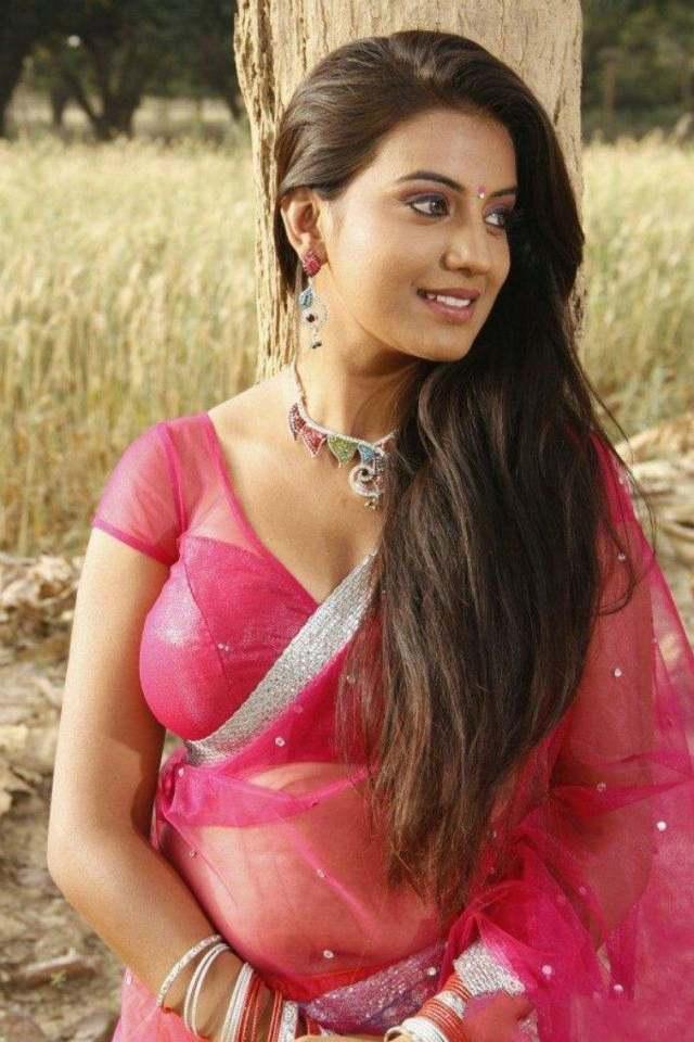actress-juhi-hot-stills-8