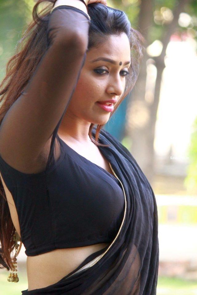 2015-Aayirathil-Iruvar-Heroine-Kesha-Khambhati-Saree-Photos-Gallery