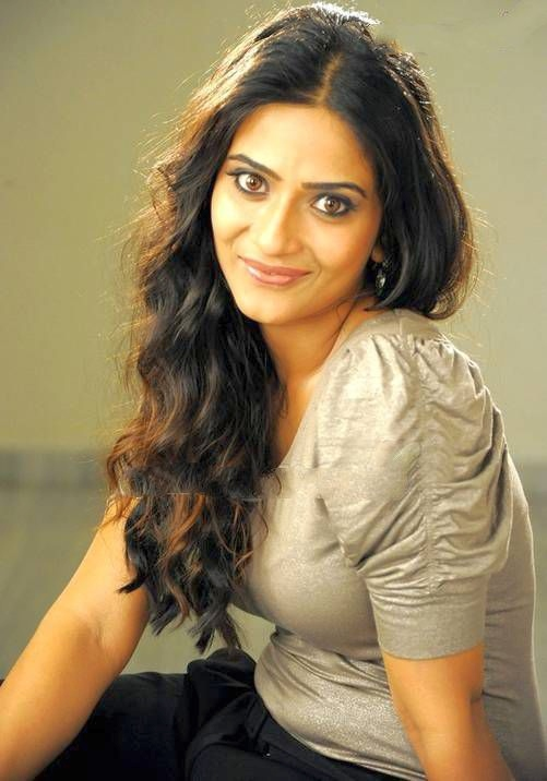 aditi-sharma-telugu-actress-image-gallery-image-gallery-55e9d00fc70cd