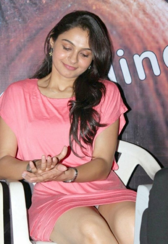 Andrea Hot Photos in Pink Short Dress at Virattu Single Track Launch CelebsNext 0006