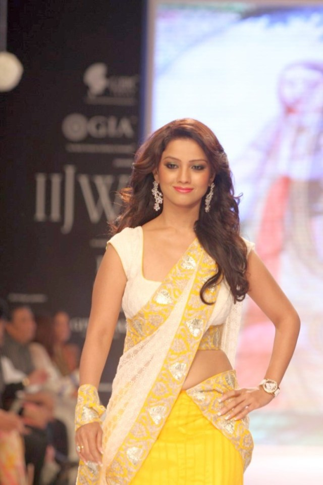 Hindi Tv Serial Actress Hot Navel Show Photos