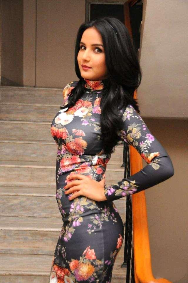 Jasmine Bhasin  photoshoot _26_