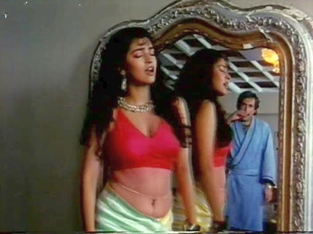 Juhi-Chawla-hot-scene