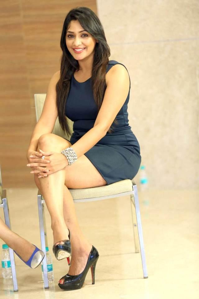 Kesha Khambhati actress pics _2_