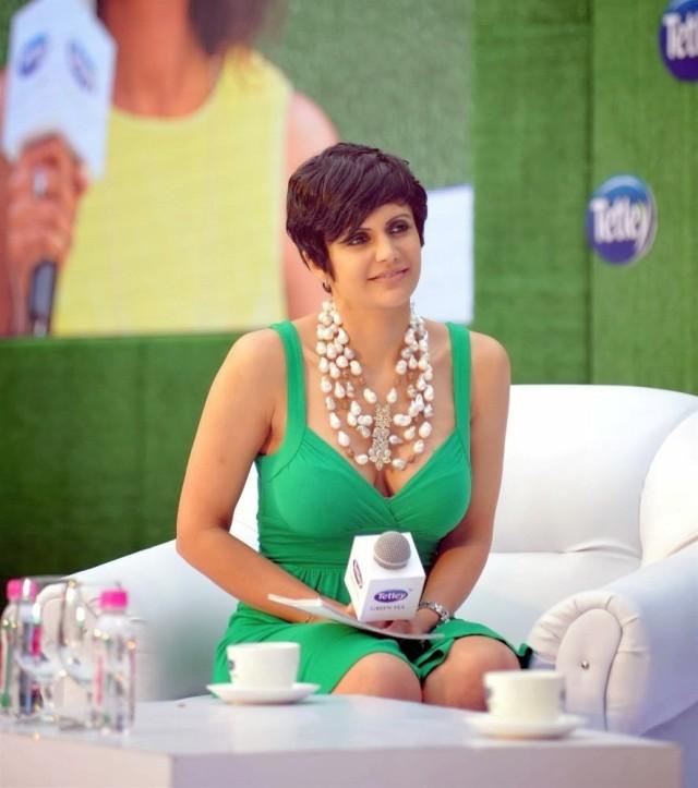 Mandira-Bedi-at-the-relaunch-of-Tetley-Green-Tea-in-Mumbai