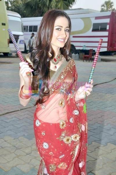 Sanjeeda-Sheikh-Tv-Actress-Navel-Show-in-Saree