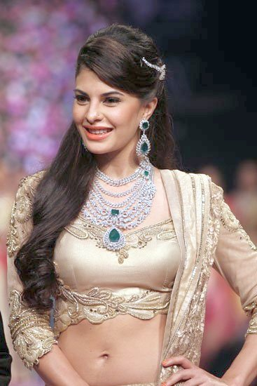 IIJW-Delhi-2013---Jacqueline-Fernandes-walked-the-ramp-on-Day-2-for-PC-Jewellers