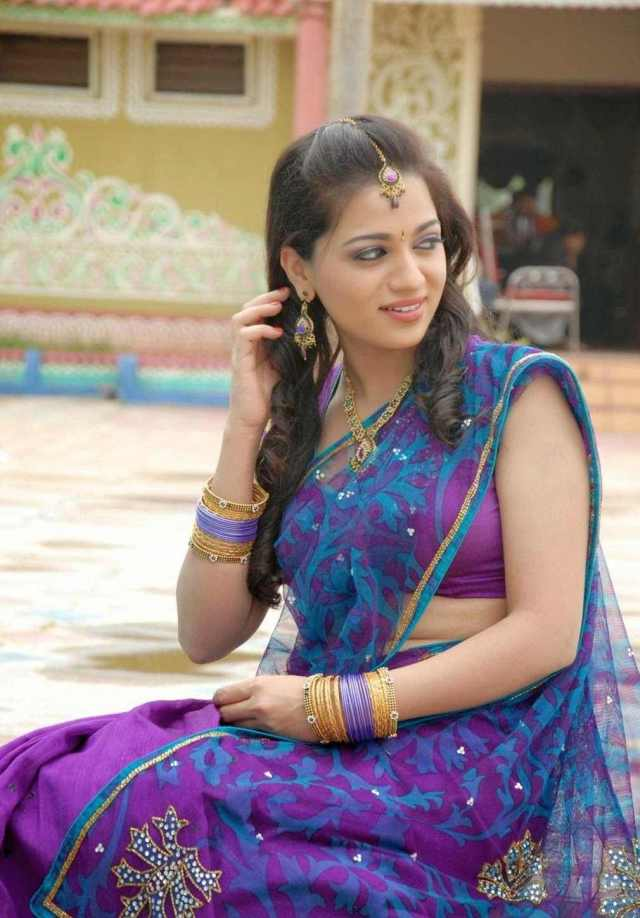 Reshma Rathore Hot Cute Spicy Images Stills Photoshoot Pictures Wallpapers Gallery Saree Navel Cleavage Boobs Exposing Desi Actress Heroin Telugu Tamil 13