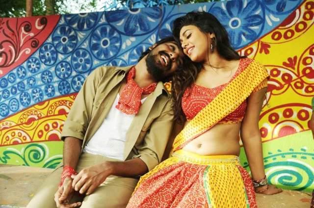 Trisha-Leda-Nayanatara-movie-stills-034