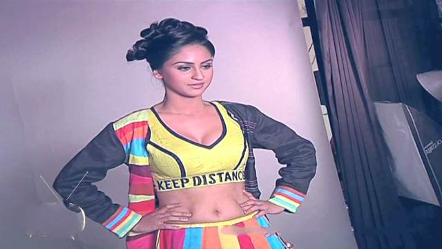 Krystle+dsouza+++India-Forums+Youth+Calendar+Photoshoot+-+YouTube[00-49-21]