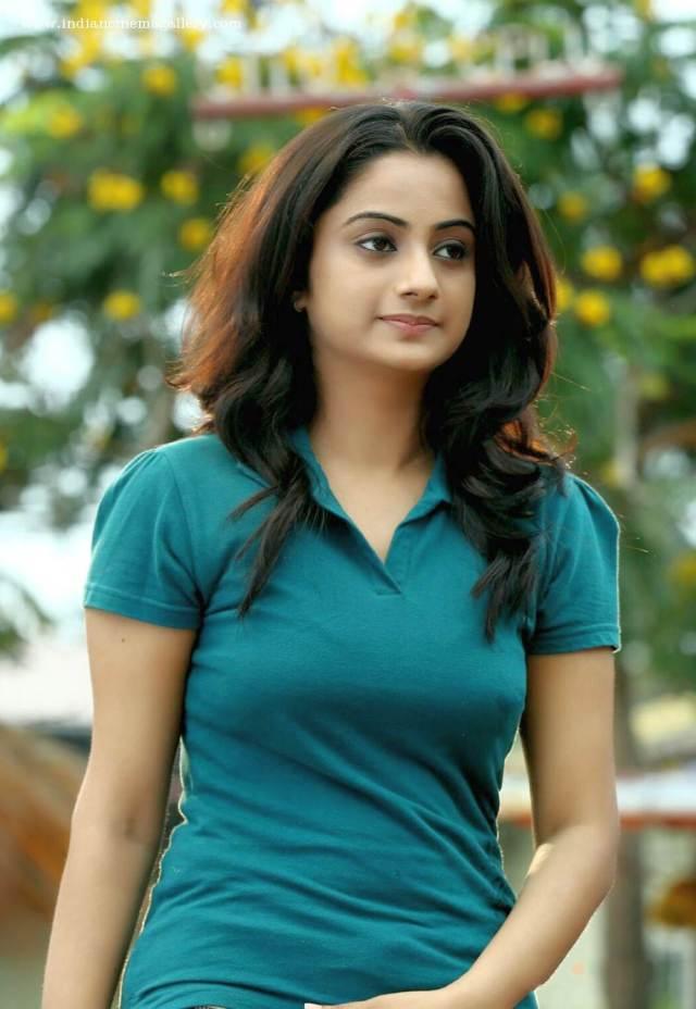 Namitha-Pramod-in-Amar-Akbar-Anthony-movie-(4)7177