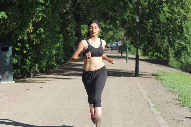 Actress Tanvi Vyas Hot Spicy Wallpapers in Sports Dress