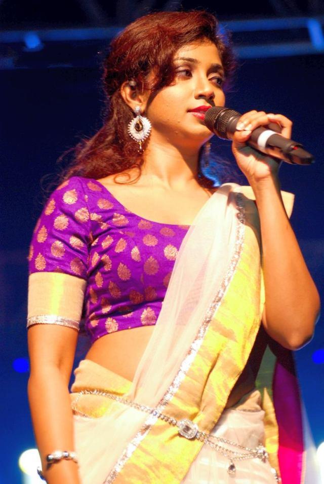 shreya-ghoshal-bangalore-concert-2012
