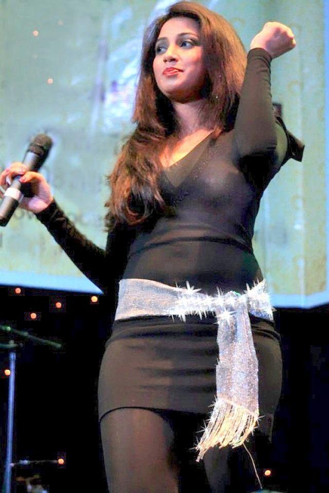 Shreya ghoshal hot transparent bra cleavage show scandal pics sabhotcom392962117 (3)