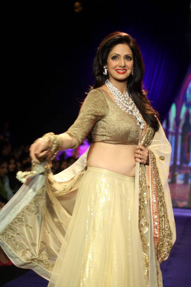 Sridevi-Ramp-Walk-Stills-At-IIJW-2014-Fashion-Week-7